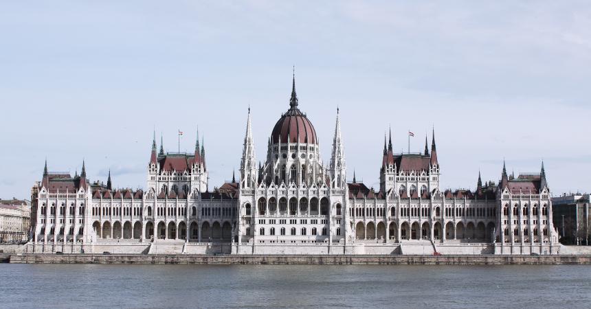 ハンガリー 刺繍を巡る旅